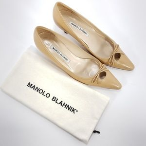 MANOLO BLAHNIK Women's Pumps Kitten Heels sz 37.5